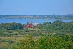 Widok kościół Czterdzieści Sebastia męczenników od belltower w Goritsky monasterze Dormition w Pereslavl-Zalessky, Rosja obraz royalty free