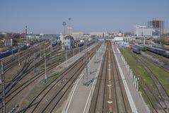 Widok Kolejowy kwadrat i kolejowi ślada na Kwietniu 05; 2 Fotografia Royalty Free