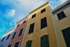 Widok kolorowi domy w Ciutadella, Menorca, Balearic wyspy, Hiszpania Obrazy Stock