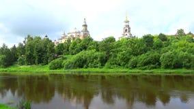 Widok kopuła Borisoglebsky monaster Torzhok, Tver region zdjęcie wideo