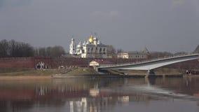 Widok kopuła Hagia Sophia i dzwonnica novgorod Russia veliky zdjęcie wideo