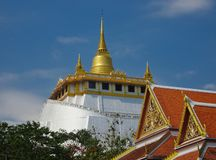 Widok kopuła Złota góry świątynia obrazy stock