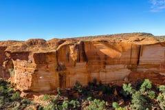 widok kr?lewi?tko jar, Watarrka park narodowy, terytorium p??nocne, Australia zdjęcie stock