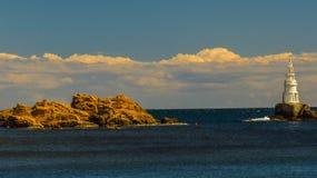 Widok latarnia morska Ahtopol, od mola, Bułgaria Zdjęcie Stock