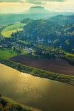 Widok Lilienstein w sasie Szwajcaria Niemcy na wieczór nastroju obrazy royalty free
