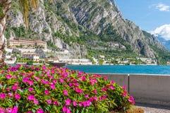 Widok Limone sul Garda, Garda jezioro, Brescia, Włochy Zdjęcie Royalty Free