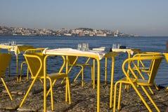 Widok Lisbon przy zmierzchem od restauraci na Tagus rzece, Portugalia Obrazy Royalty Free
