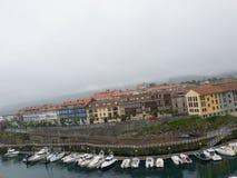 Widok Llanes, miasteczko północny Hiszpania Zdjęcie Stock