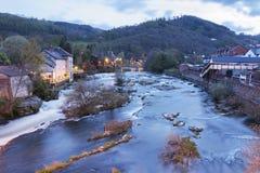 Widok Llangollen od rzeki Zdjęcie Stock