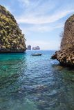 Widok loh samah zatoki błękitna laguna jest snorkeling punktem przy phi phi wyspą Zdjęcie Stock