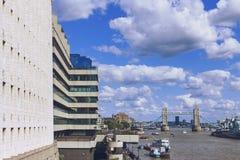 Widok Londyński ` s pejzaż miejski od rzecznego Thames wliczając, Zdjęcia Royalty Free