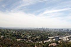 Widok Los Angeles pejzaż miejski od Getty muzeum w lato czasie fotografia stock