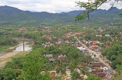 Widok Luang Prabang od Phousi góry zdjęcie royalty free