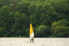 widok mężczyzna jachting Fotografia Stock