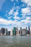Widok Manhattan linia horyzontu Od Brooklyn Zdjęcia Stock