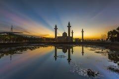 Widok Masjid Bukit Jelutong podczas wschodu słońca Zdjęcie Royalty Free