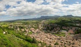Widok miasteczko grzebień w Drome, Francja zdjęcie stock