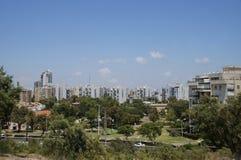 Widok miasto Ashdod, Izrael od parkowego Parkowego ignamu zdjęcia royalty free