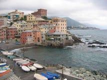Widok miasto Boccadasse stary żeglarza ` neighbourhoodon z brzydkim czasem, Liguria Włochy Zdjęcie Royalty Free