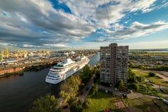 Widok miasto St Petersburg od dachu dom dormitorium Zdjęcie Royalty Free
