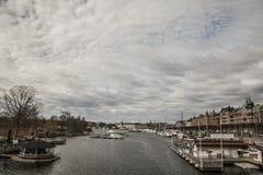 Widok miasto Sztokholm, chmurni nieba/ Zdjęcie Royalty Free