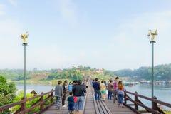 Widok Mon Drewniany Brid Kanchanaburi Tajlandia, Grudzień - 2016 - Fotografia Stock