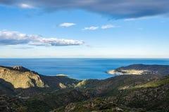 Widok monaster Sant Pere De Rodes i zatoki północ przylądek obraz stock