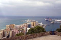 Widok morze śródziemnomorskie i port Malaga od ścian Gibralfaro forteca fotografia stock