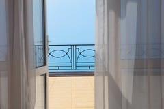 Widok morze od pokoju hotelowego Obrazy Royalty Free