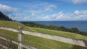 Widok morze od łupu w llandulas Zdjęcie Stock