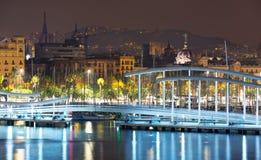 Widok most przy Portowym Vell w jesieni nocy Barcelona Zdjęcie Stock