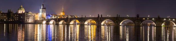 Widok mosta wierza w Praga Obraz Royalty Free