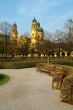 widok Munich kościelny theatiner Zdjęcia Royalty Free