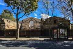 Widok Musee De Cluny z naprzeciw ulicy w Paryż, Francja fotografia royalty free