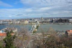 Widok na Łańcuszkowym moscie w Budapest z rzecznym Danube od obraz stock