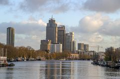 Widok Na Amstel rzece Podczas jesieni Przy Amsterdam holandie 2018 obraz stock