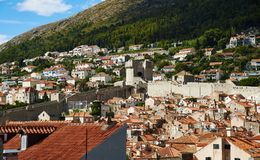 Widok na Dubrovnik i MinÄ  eta Górujemy fotografia royalty free