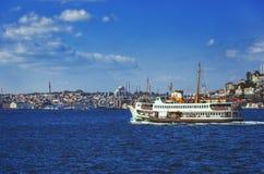 Widok na dziejowej części Istanbuł od Bosphorus Obrazy Stock