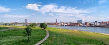 Widok na dziejowym miasteczku Dusseldorf Zdjęcia Stock
