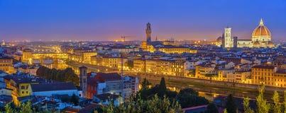 Widok na Florencja przy nocą Zdjęcia Royalty Free
