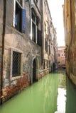 Widok na historycznej architekturze i kanale obrazy royalty free