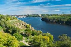 Widok na Hydroelektrycznej Staci w Zaporizhia mieście Obrazy Royalty Free
