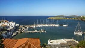 Widok na jachtu Marina Andros wyspa w morzu egejskim Obrazy Stock