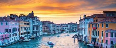 Widok na kanał grande w romantycznym Wenecja, Włochy Zdjęcia Stock