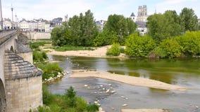 Widok na miasteczku Orléans w Francja na Loire rzece i, zbiory