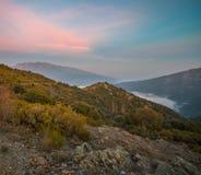 Widok na Montseny masywie od skalistej placówki zdjęcia royalty free