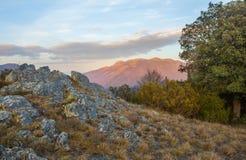 Widok na Montseny masywie od skalistej placówki zdjęcie royalty free
