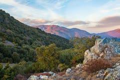 Widok na Montseny masywie od skalistej placówki zdjęcie stock