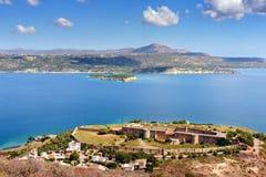 Widok na morze zatoce i starym Weneckim fortecy w Aptera na Crete wyspie, Grecja obrazy royalty free
