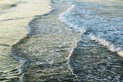 Widok na morzu macha blisko wyrzucać na brzeg Obraz Royalty Free